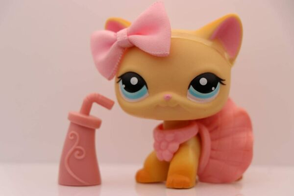 Authentic Littlest Pet Shop lps Short Hair Cat 339 Yellow with lps Accessories