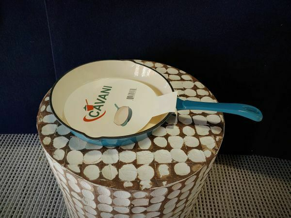 CAVANI Enameled Cast Iron Skillet 10 Inch Teal Ombre with Silicone Grip