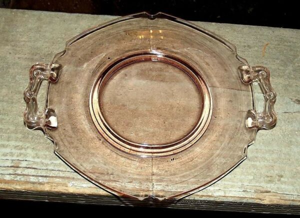 L. E. Smith pink Mount Pleasant small two handled tray
