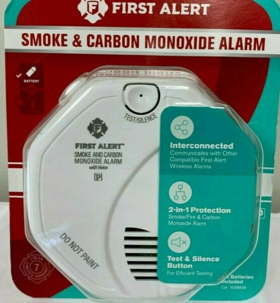 First Alert Smoke amp; Carbon Monoxide Alarm Battery Operated 1039839 New $39.99