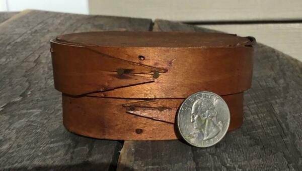 Small Antique Primitive Wooden Early Oval Pantry Box amp; Lid 3.5quot; Dia Copper Nails