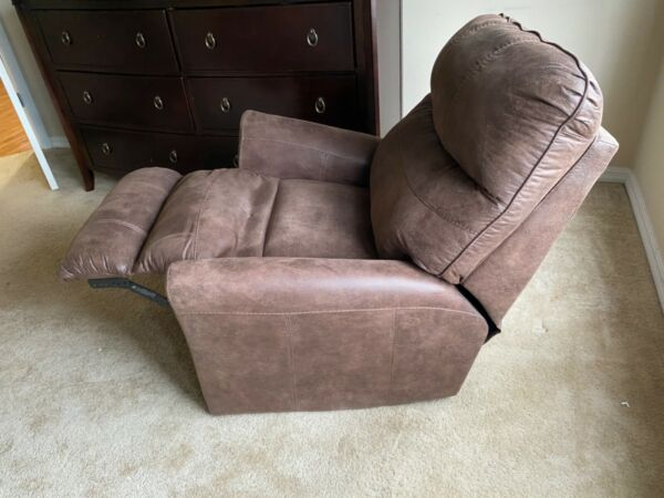 Ashley Furniture Recliner $100.00