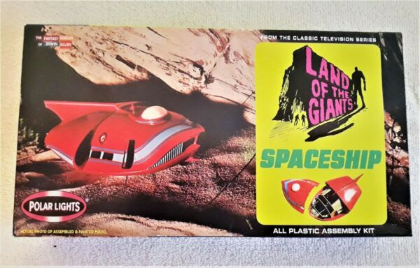 LAND OF THE GIANTS quot;SPINDRIFTquot; Spaceship White Plastic Chase Kit