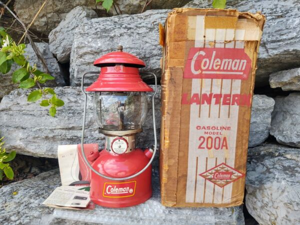 ANTIQUE VINTAGE RED COLEMAN 200A LANTERN 7 1961