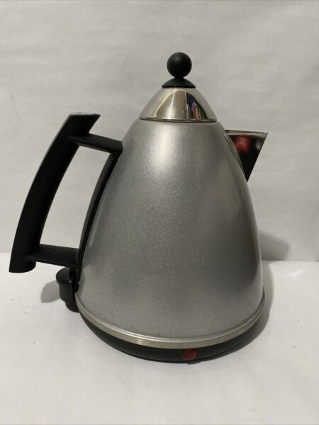 Delonghi Dk100 Water Kettle Boiler In Good Condition Silver And Black $85.00