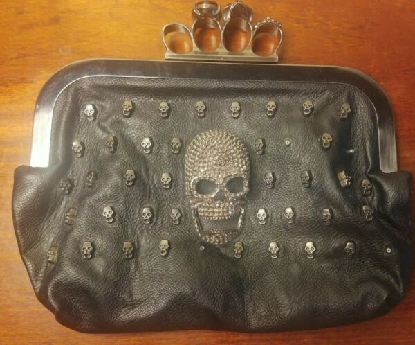 Large leather skull purse with sucure locking latch and shoulder strap $19.89