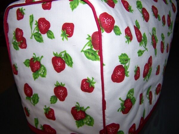 Wild Strawberry Quilted Fabric 2 Slice or 4 Slice Toaster Cover NEW