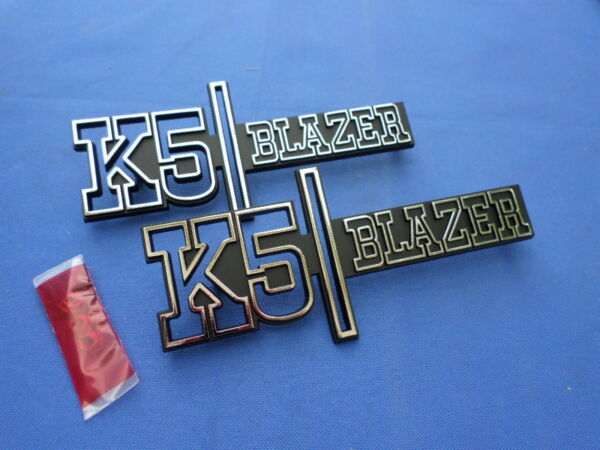 NEW 1973 1974 Chevy Chevrolet K5 Blazer Fender Emblem Pair GM Licensed 328860