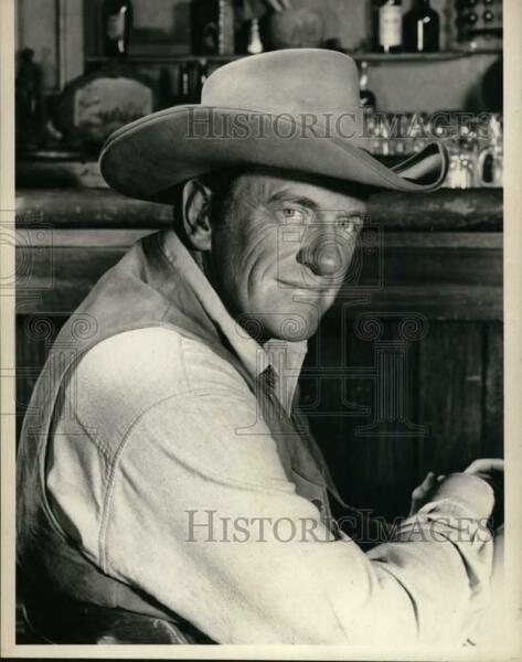Press Photo Actor James Arness star of the television series