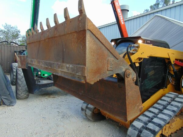 CAT 4-IN1 CLAM BUCKET - SEVERE DUTY - SKID STEER ATTACHMENT - 78