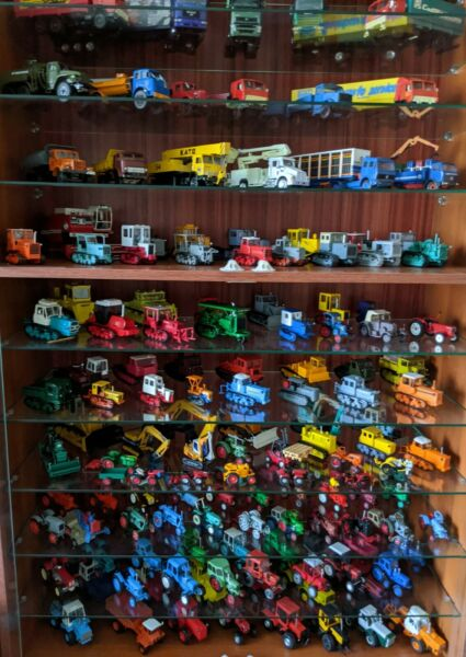 Scale models cars trucks tractors other technics for sale lot over 800 items