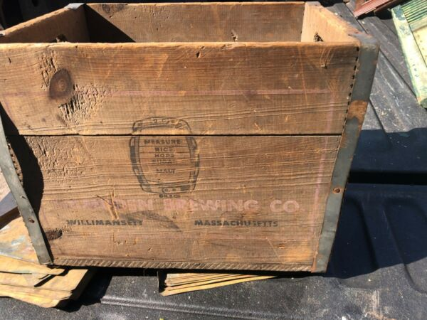 """rare Vintage wooden Hampden Ale beer crate Willimansett MA 17"""" x 12.5"""" x 13"""" h"""