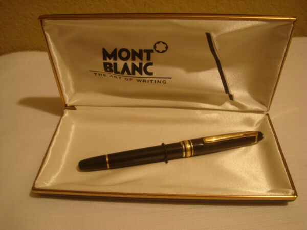 MONT BLANC FOUNTAIN PEN WITH CASE MEISTERSTUCK