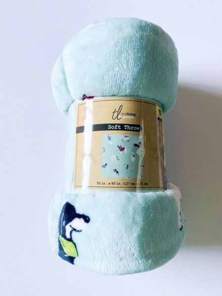 """Comfort Bay Very Soft Dogs Throw Blanket 50"""" X 60"""" $15.99"""