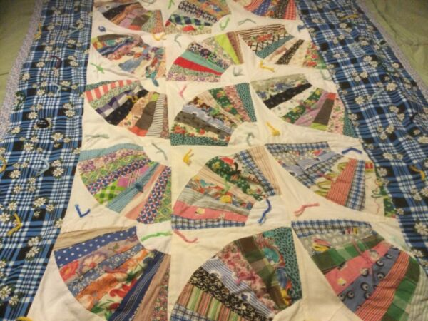 """VINTAGE FAN QUILT FEED SACK PRINT PIECED HAND SEWING 57"""" X 42"""" TWIN SZ. THROW EC"""