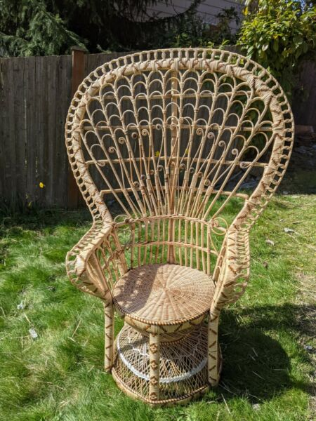 Stunning vintage rattan peacock chair for your stylish bohemian home