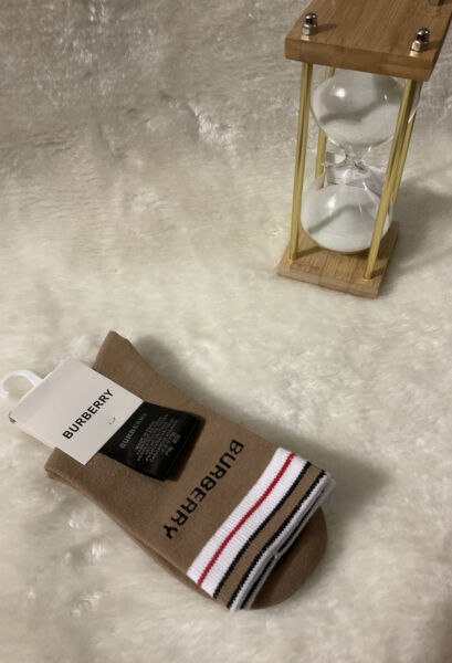 Brand New BURBERRY Unisex Brown Color. Limited Time Only 🔥 $55.00