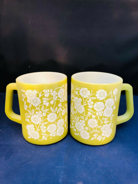 Vintage Federal Coffee Mugs green W White Flowers Lot of 2 New old stock