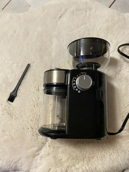 Electric conical burr coffee grinder