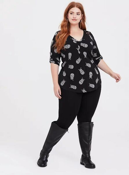Torrid Skull And Lace Harper Top. Size 4 $20.00