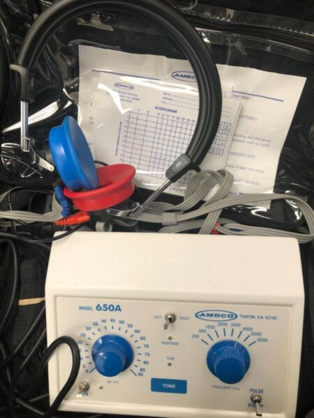 AMBCO Model 650A Audiometer Hearing Tester Excellent Condition
