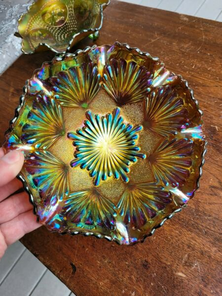 Old Imperial Carnival Glass Electric Light Amethyst Shell amp; Sand Bowl Wow