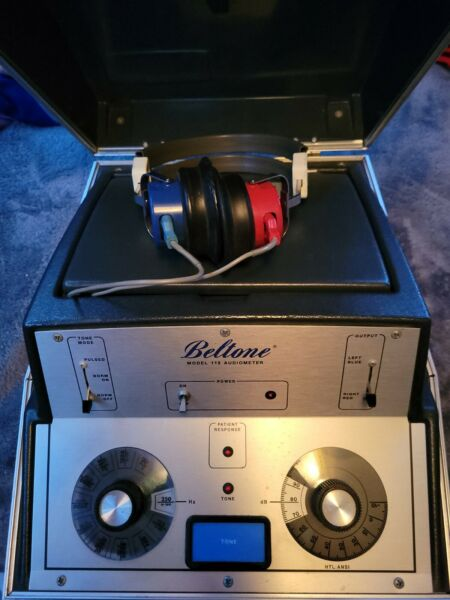 Beltone Model 119 Audiometer Hearing Tester with Headphones *Tested Please Read