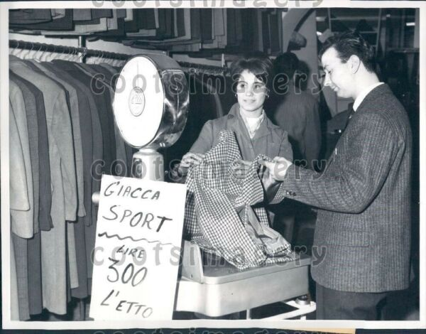 1960 Clothing Store Sells Clothes by The Pound Rome Italy Press Photo