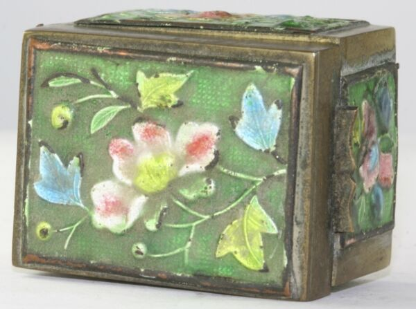 VTG ANTIQUE CHINESE BRASS & ENAMEL LOTUS BLOSSOM FLOWER STAMP BOX