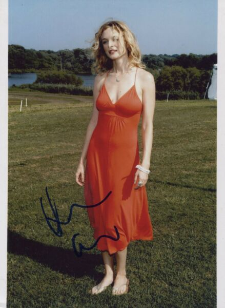 Heather Graham Signed Sexy Busty In Red Dress Outdoors Color 8X10 Photo