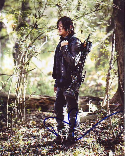 NORMAN REEDUS signed autographed THE WALKING DEAD DARYL DIXON photo