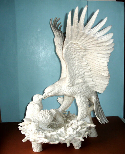 Goebel EAGLE Feeding Young Eaglets in Nest HUGE White Sculpture Very Rare!