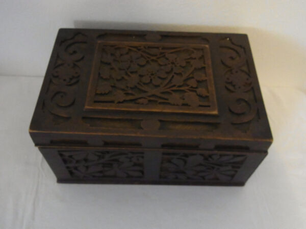 Antique Germa Tramp Folk Art Wood Sewing Box  #