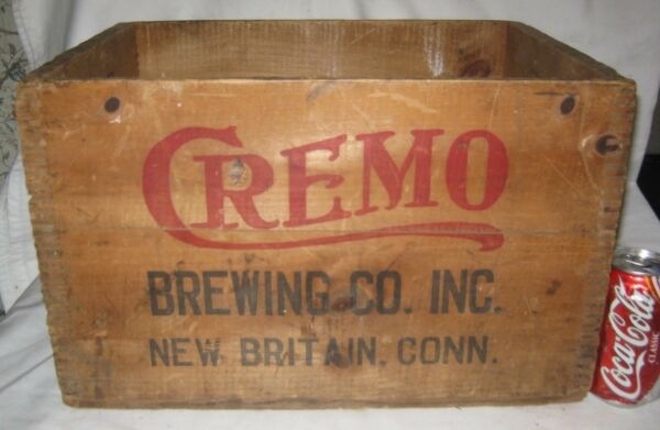 ANTIQUE WW II CREMO BEER BREWING CO USA WOOD BOTTLE SIGN ART BOX CRATE STAND CT