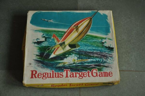 Vintage Boxed MT Trademark Regulus Target Game Litho Paper Game  Japan