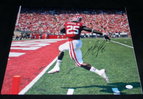 MELVIN GORDON AUTOGRAPHED SIGNED WISCONSIN BADGERS 16x20 PHOTO JSA