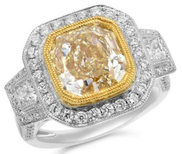 EXTRA LARGE 6.73CT WHITE & FANCY YELLOW DIAMOND 18KT 2 TONE GOLD ENGAGEMENT RING