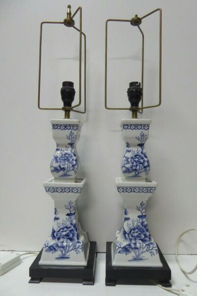 PAIR VINTAGE BLUE WHITE PAINTED BIRDS TREES CHINOSERIE BEDSIDE  MANTLE LAMPS