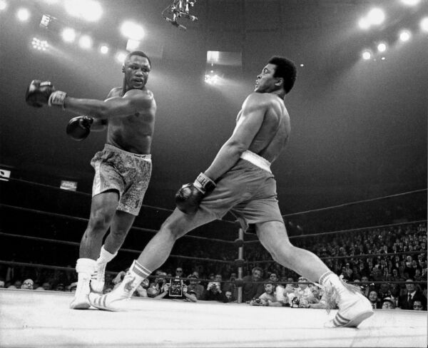 Awesome Muhammad Ali Joe Frazier 8x10 Picture Celebrity Print