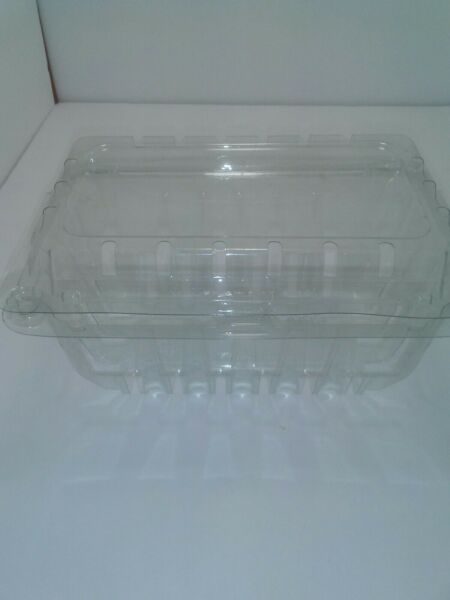 Plastic Produce Transport Lot of 23 Containers Quart size