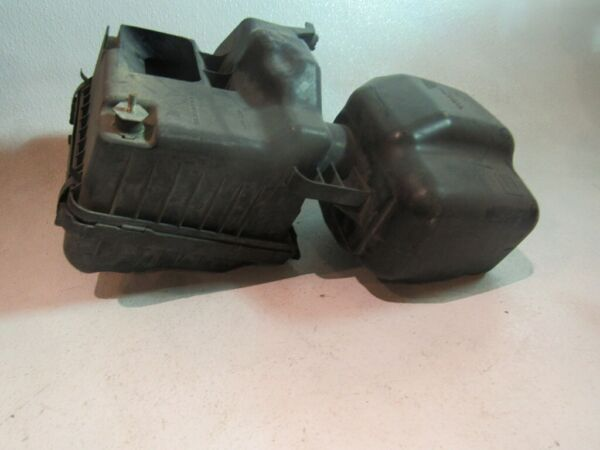2005 Subaru Legacy GT Air Cleaner Box Assembly $105.00