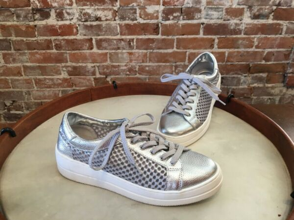 Steve Madden Natural Comfort Silver Leather & Mesh Napa Lace up Sneakers NEW
