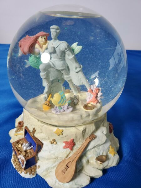 Disney  Little Mermaid  Part Of  Your Wold Musical Snow Globe