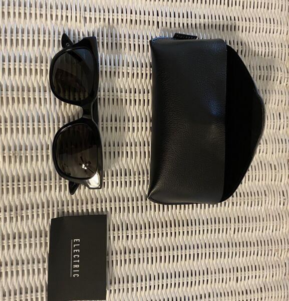 NEW Electric 40FIVE Glossy Black Sunglasses with Case and Cloth $40.00