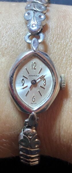 Estate Antique Signal Swiss Ladies Watch Silver Tone Expandable Missing Crystal