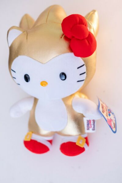 SDCC 2016 Toynami Gold Sonic X Hello Kitty Sanrio Plush Limited edition