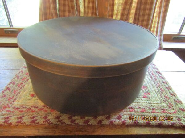 VINTAGE PRIMITIVE WOODEN PANTRY BOX WITH ORIGINAL LID PAINTED  GREEN