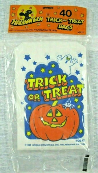 Vintage 1988 Unique Halloween Trick Or Treat Candy Bags Unopened Quantity 40 $2.99
