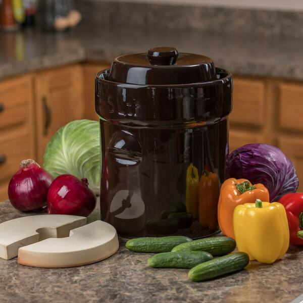 Lehman#x27;s European Style Fermenting and Pickling Crock and Weights 1 Gallon Brown