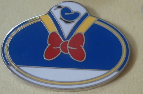 Donald Duck Cast Exclusive What#x27;s My Name Badge Disney Pin $0.99